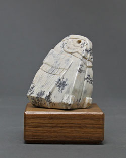 A photo of dendritic Soapstone Owl #32 by Clarence P. Cameron of Madison, Wisconsin